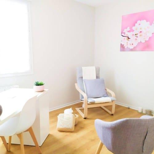 salle d'attente confort et cocooning pour une séance d'hypnose paisible à Meyzieu